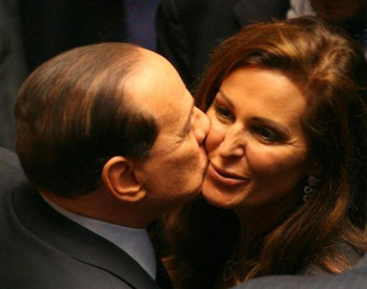 http://www.altrenotizie.org/images/stories/2011-2/berlusconi-santanche.jpg