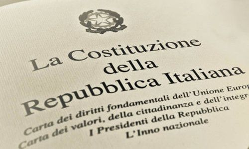 http://www.altrenotizie.org/images/stories/2014-1/costituzione.jpg