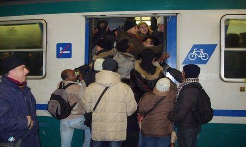 http://www.altrenotizie.org/images/stories/2014-1/pendolari-vigevano.jpg