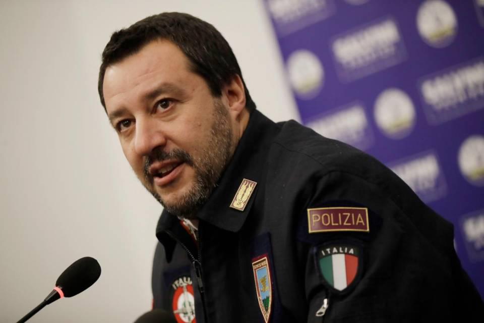 Salvini, il ministro del Carnevale
