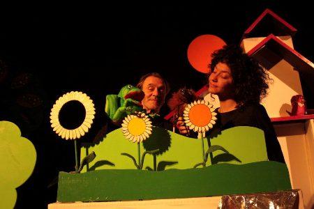 http://www.altrenotizie.org/images/stories/2012-5/piccolo-piccolissimo-grande-grandissimo.jpg